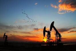 国际原油震荡盘整 本轮成品油零售限价或迎年内第三次搁浅
